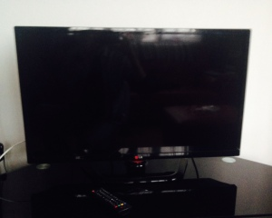 "LG TV 23"""